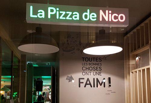 vitrine nuit pizzeria strasbourg La pizza de nico homme de fer